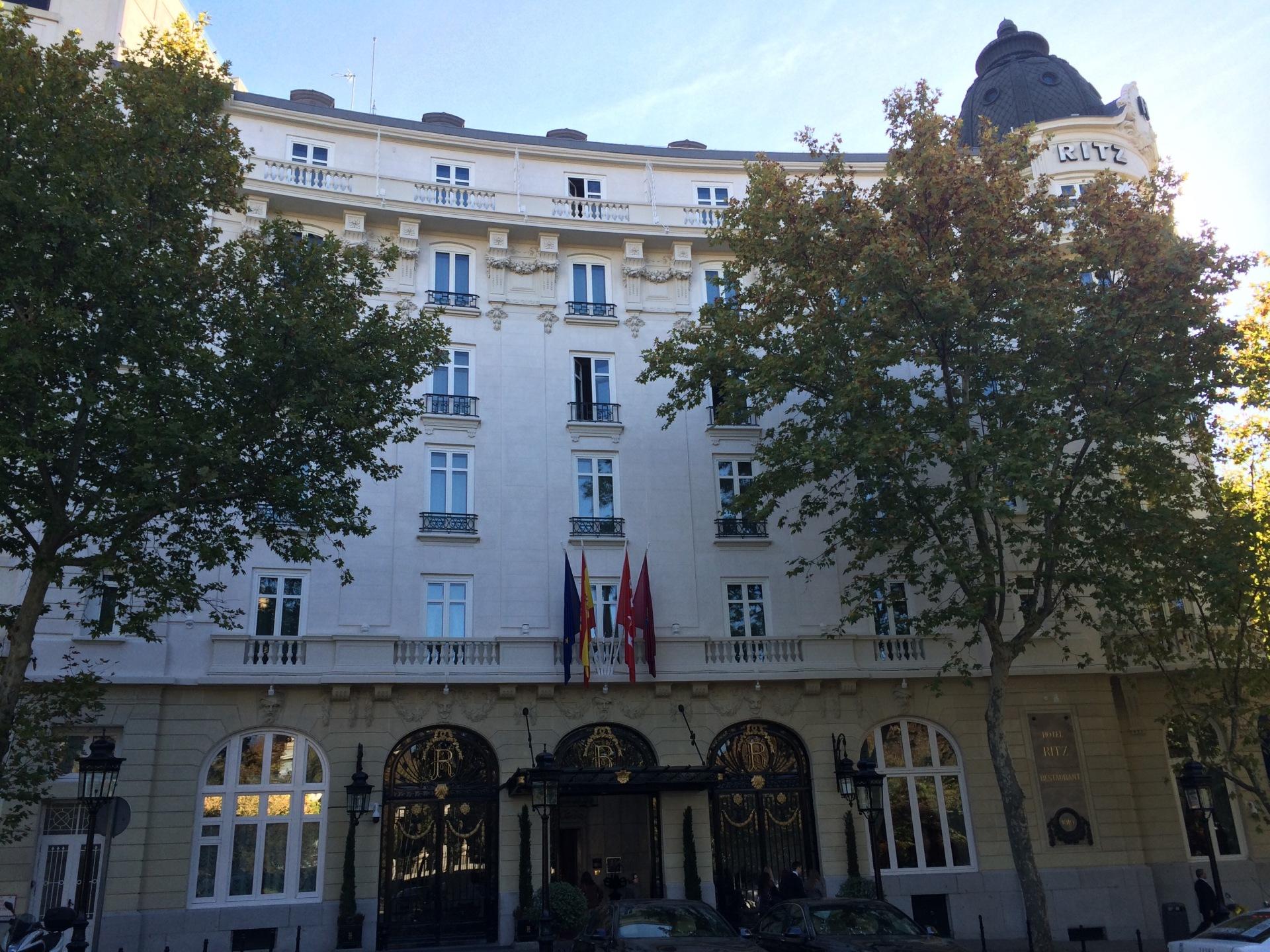 Vista frontal del Hotel Ritz de Madrid