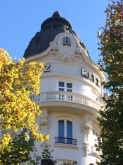 Vista de la cúpula que forma la esquina del Hotel.